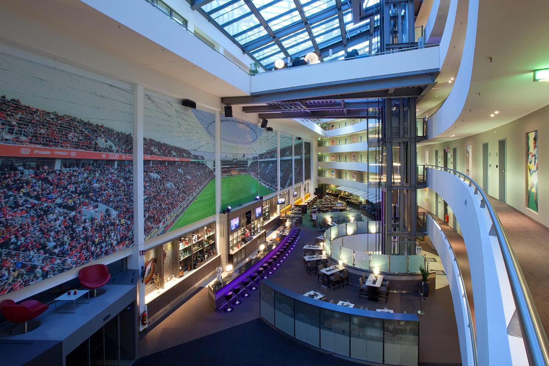 Lindner Hotel BayArena mit Test-Drive-In