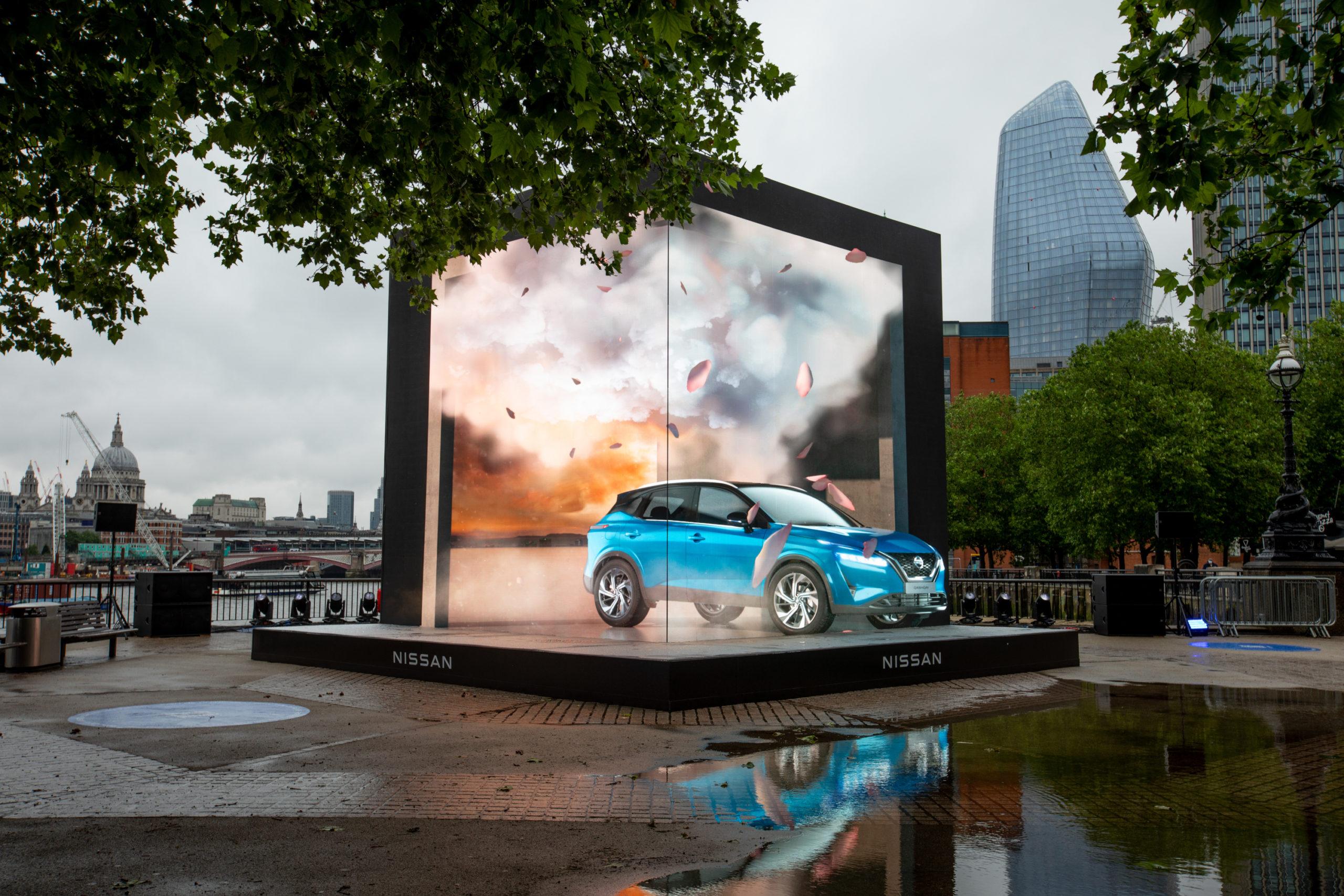 Inszenierung an der South Bank (Fotos: Nissan Motor GB)