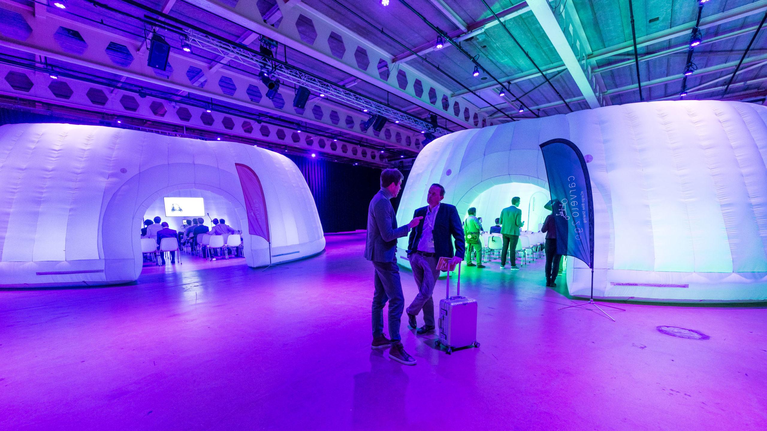 Quickspace entwickelt aufblasbare Wände und Strukturen für Events